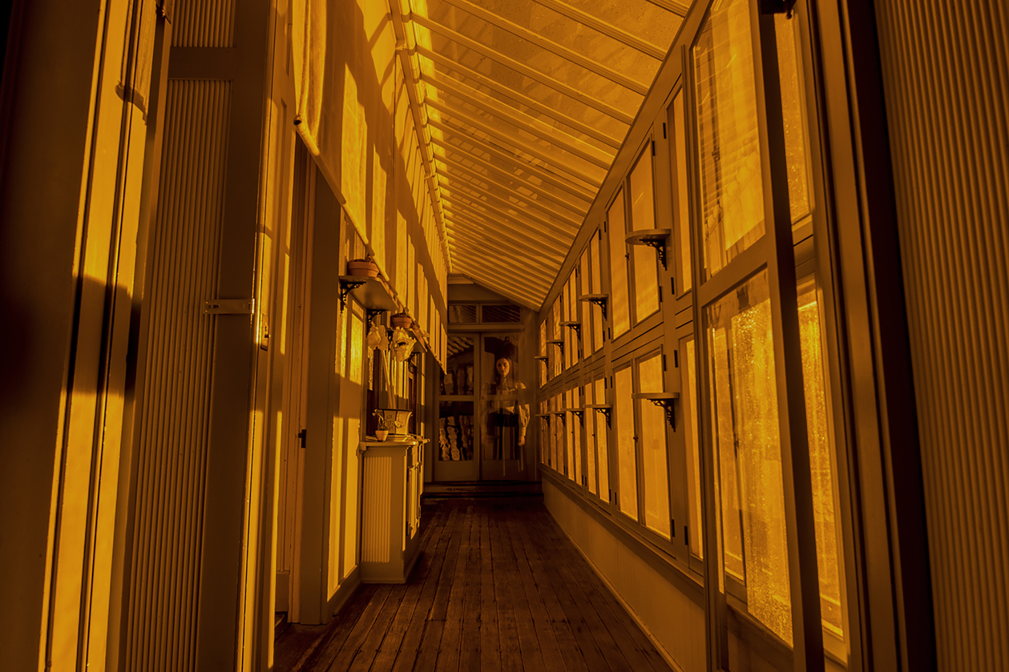 a ghostly appearance at the winchester mystery house